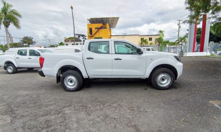 Nissan Frontier S doble cabina